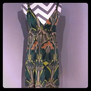 Low cut, 60s print, pullover dress.